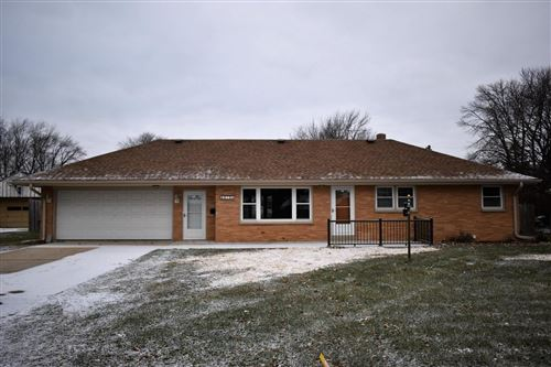 Photo of 6610 W Bottsford Ave, Greenfield, WI 53220 (MLS # 1670800)