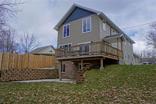 Photo of W288N3181 Lakewood Ln N, Pewaukee, WI 53072 (MLS # 1667801)