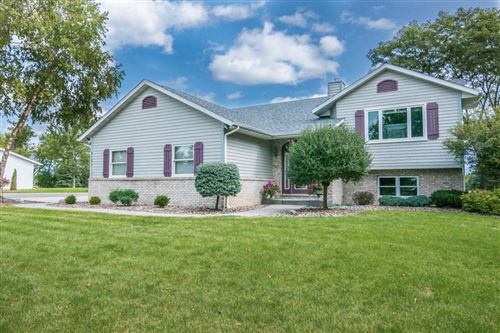 Photo of 9121 256th AVe, Salem, WI 53168 (MLS # 1710806)