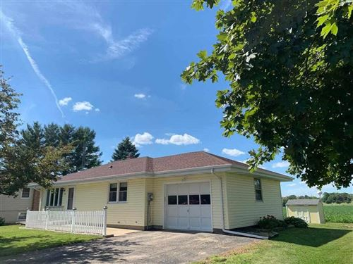 Photo of 635 E Center St, Juneau, WI 53039 (MLS # 1886806)