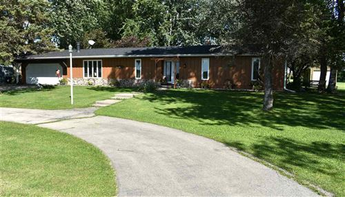 Photo of N6710 High Point Rd, Juneau, WI 53039 (MLS # 1892806)