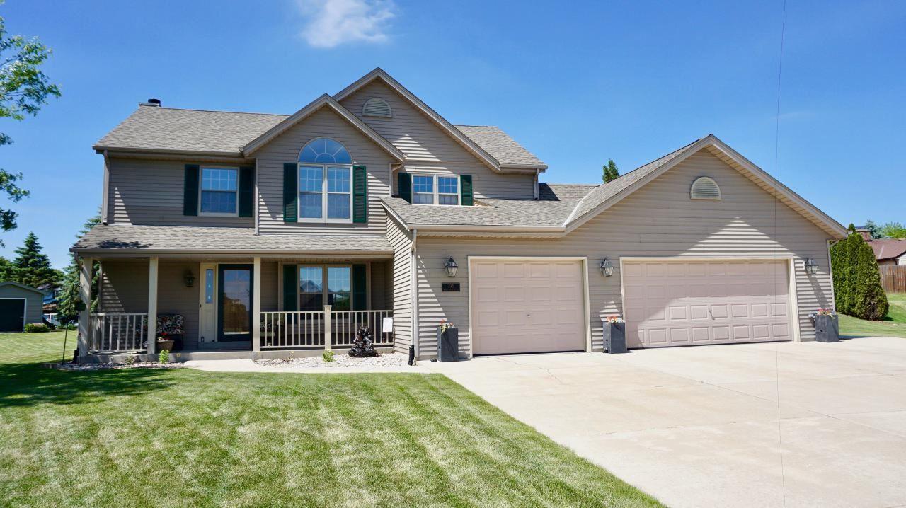 195 White Oak Ct, Union Grove, WI 53182 - MLS#: 1693806