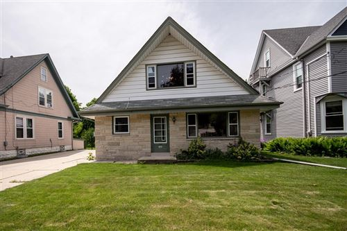 Photo of 723 Hawthorne Ave, South Milwaukee, WI 53172 (MLS # 1692809)