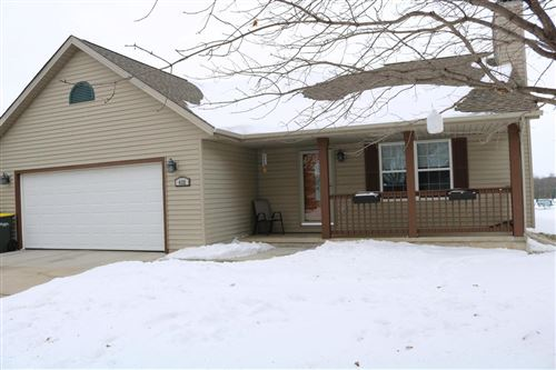 Photo of 432 Foxtail Dr, Hartford, WI 53027 (MLS # 1725812)