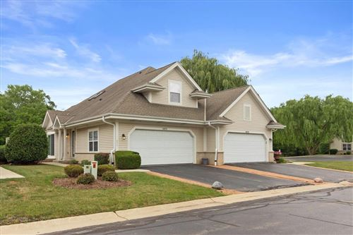 Photo of 4870 S Waterview Ct, Greenfield, WI 53220 (MLS # 1752813)