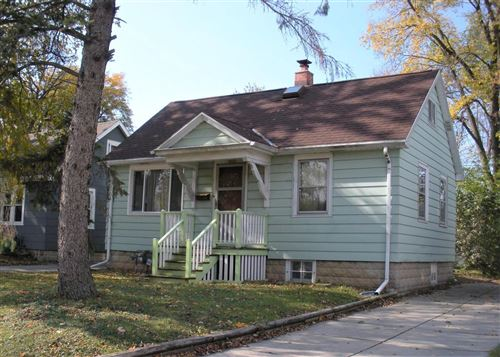 Photo of 4613 N River Park Blvd, Glendale, WI 53209 (MLS # 1715814)