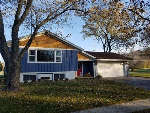 Photo of 5300 Robin Dr, Greendale, WI 53129 (MLS # 1717821)