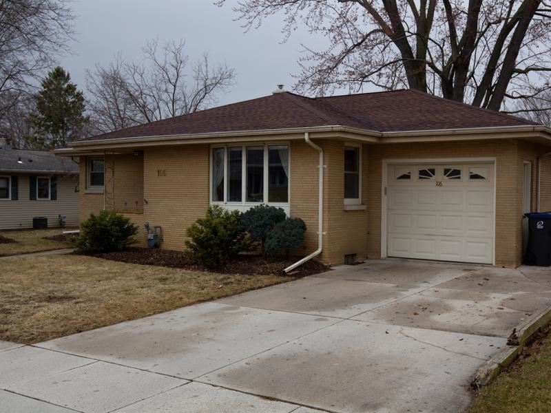 106 Lolie Ct, Plymouth, WI 53073 - MLS#: 1682821