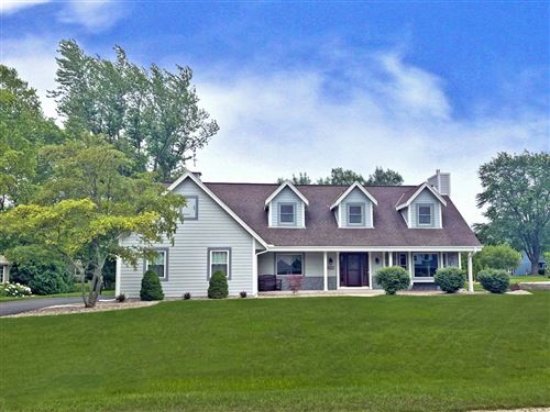 Photo of 3607 W Marseilles Dr, Mequon, WI 53092 (MLS # 1752823)