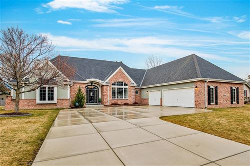 Photo of 5260 S 41st St, Greenfield, WI 53221 (MLS # 1726825)