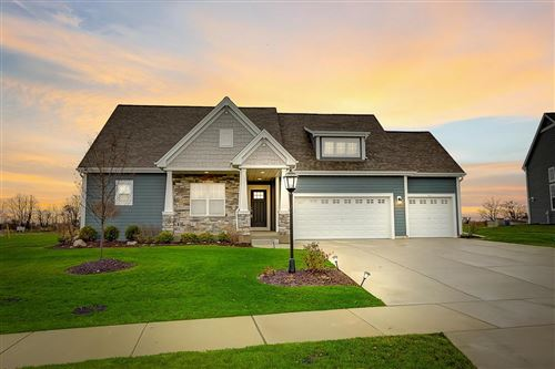 Photo of 8211 W Highlander Dr, Mequon, WI 53097 (MLS # 1668828)
