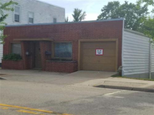 Photo of 2905 N Brookfield Rd, Brookfield, WI 53045 (MLS # 1696828)