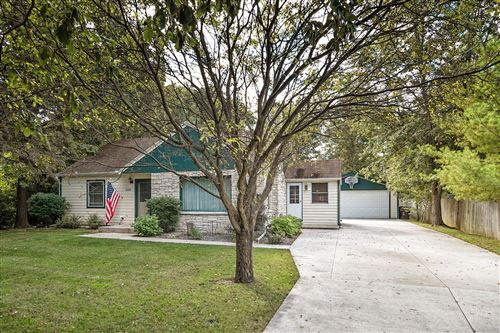 Photo of 4009 W Barnard Ave, Greenfield, WI 53221 (MLS # 1710834)