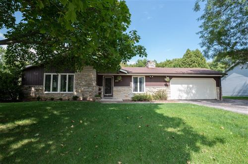 Photo of 900 W Glen River Rd, Glendale, WI 53217 (MLS # 1709835)