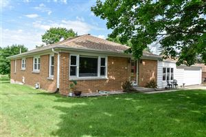 Photo of 4745 S 99th St, Greenfield, WI 53228 (MLS # 1645840)