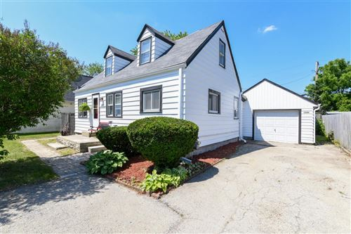 Photo of 5933 S 32nd St, Greenfield, WI 53221 (MLS # 1694840)