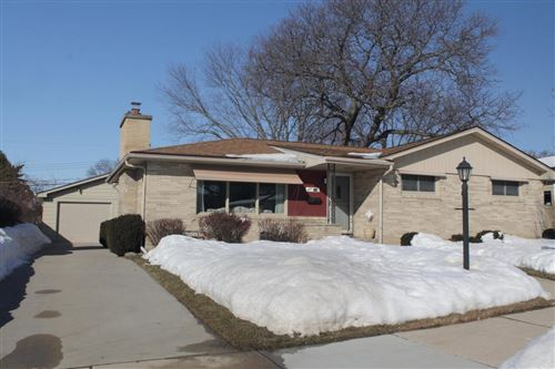 Photo of 718 Perry Ave, Racine, WI 53406 (MLS # 1727841)