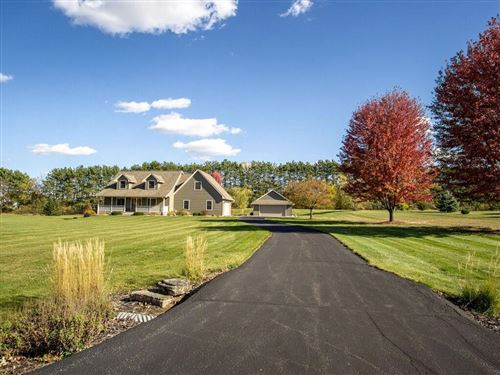 Photo of 3197 N Dekoven DR, SUMMIT, WI 53066 (MLS # 1547844)
