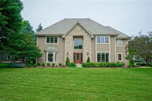 Photo of 2740 Norman Dr, Brookfield, WI 53045 (MLS # 1673845)