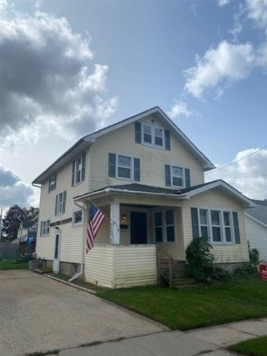 Photo of 419 W Mackie St, Beaver Dam, WI 53916 (MLS # 1893845)