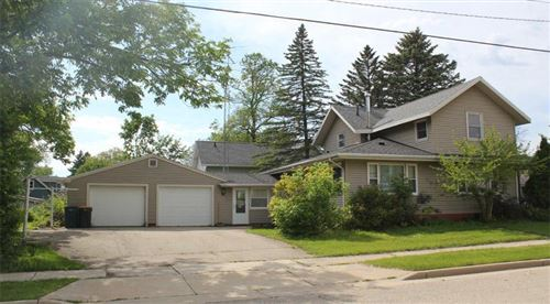 Photo of 190 E Oak Grove St, Juneau, WI 53039 (MLS # 1691846)