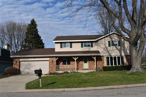 Photo of 627 Sunset Dr, Janesville, WI 53548 (MLS # 1880847)