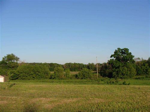 Photo of L23 Twin Knolls Dr, Fort Atkinson, WI 53538 (MLS # 1732848)