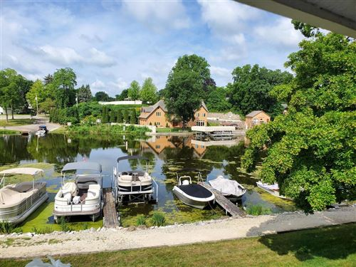 Photo of 300 Foxwood Dr #180, Waterford, WI 53185 (MLS # 1749848)