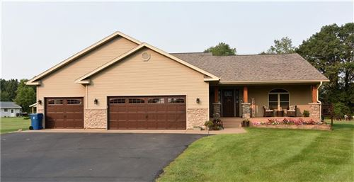 Photo of 1980 Carriage Hills Dr, Delafield, WI 53018 (MLS # 1554854)