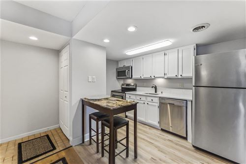 Photo of 527 D'Onofrio Dr #2, Madison, WI 53719 (MLS # 1902855)