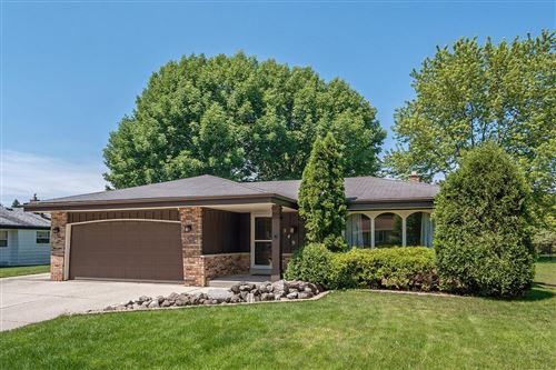 Photo of 7549 S 72nd St, Franklin, WI 53132 (MLS # 1696867)