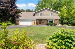 Photo of 13620 Forest Grove LN, Brookfield, WI 53005 (MLS # 1646869)