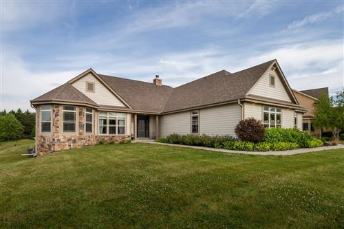 Photo of 1111 Colonial Dr, Hartland, WI 53029 (MLS # 1752870)