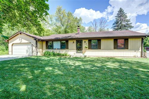 Photo of 7302 S North Cape Rd, Franklin, WI 53132 (MLS # 1695872)