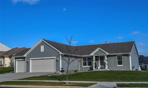 Photo of 807 Belmont Dr, Watertown, WI 53094 (MLS # 1719872)
