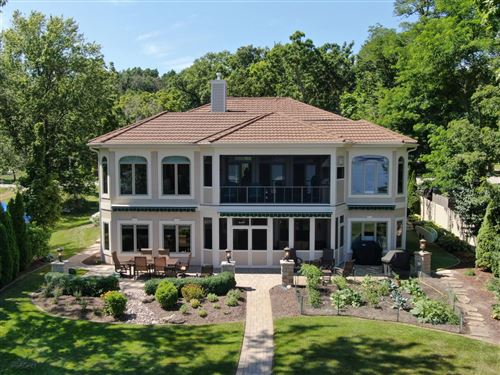 Photo of W303N2568 Maple Ave, Pewaukee, WI 53072 (MLS # 1749876)