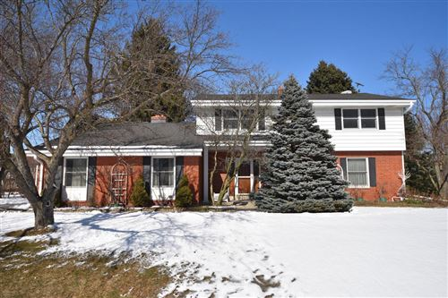 Photo of 10404 N Larkspur Ct, Mequon, WI 53092 (MLS # 1677877)