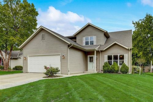 Photo of 4354 S 50th St, Greenfield, WI 53220 (MLS # 1752878)