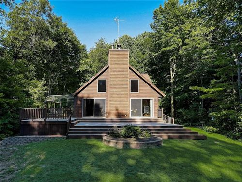 Photo of W4880 Valley Heights Dr, Fredonia, WI 53021 (MLS # 1746880)