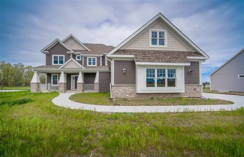 Photo of 8240 W Highlander Dr, Mequon, WI 53092 (MLS # 1690881)