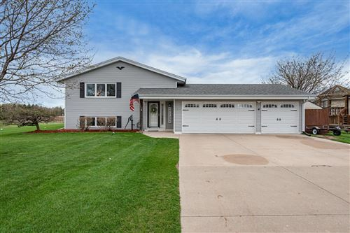 Photo of 6861 Beck Ln, West Bend, WI 53090 (MLS # 1734881)