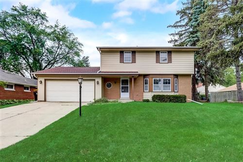 Photo of 4703 N 100th St, Wauwatosa, WI 53225 (MLS # 1752883)