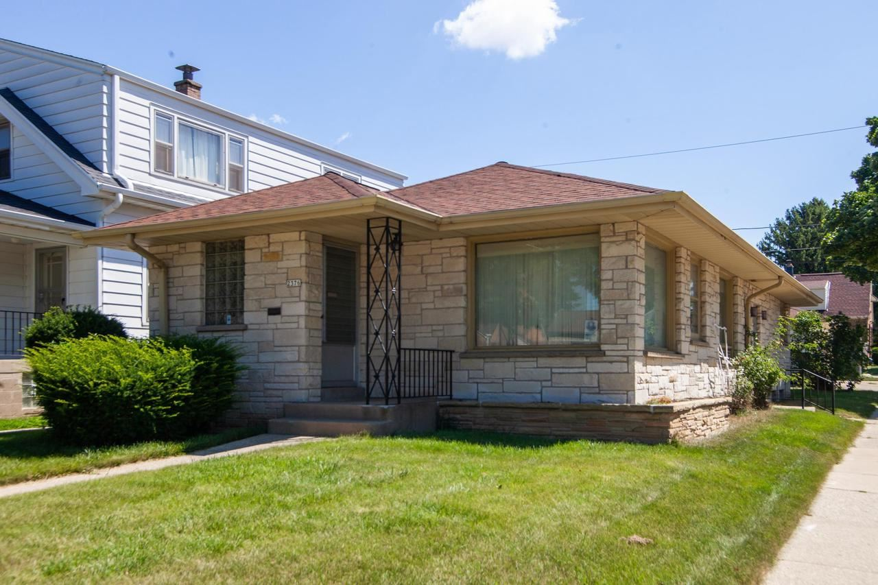 2376 S 77th St, West Allis, WI 53219 - MLS#: 1680884