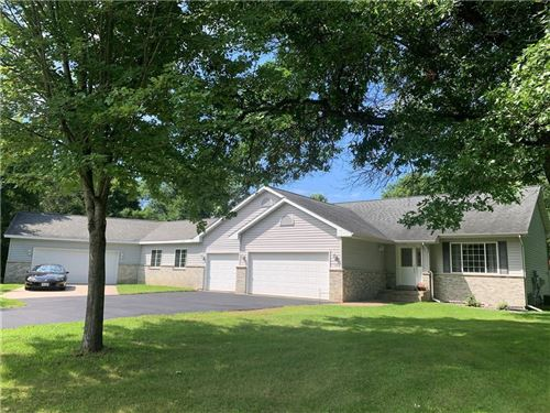 Photo of 202 FOX GLEN RD, FREDONIA, WI 53021 (MLS # 1556885)