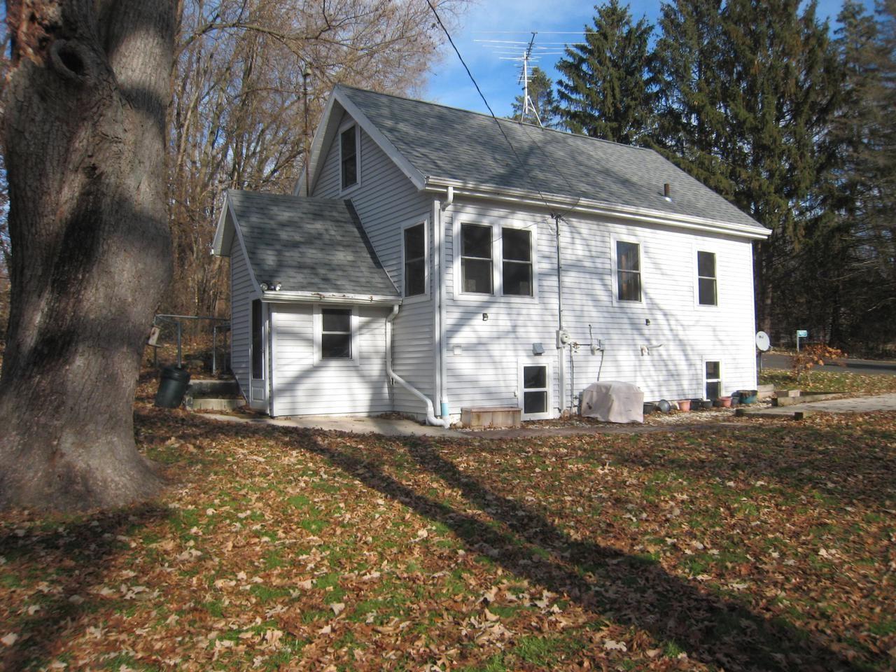 N6927 Oak Ln, Elkhorn, WI 53121 - MLS#: 1668892