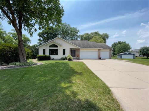 Photo of 304 Heather Ct, Cottage Grove, WI 53527 (MLS # 1913894)