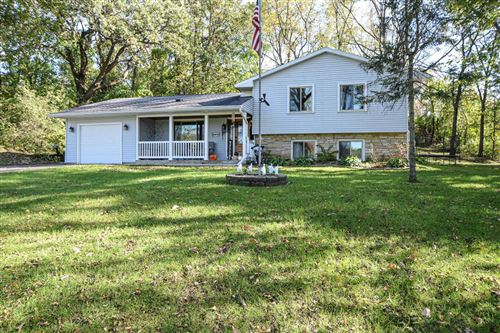 Photo of 30540 Mountain Ln, Waterford, WI 53185 (MLS # 1663895)