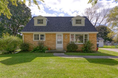 Photo of N64W23589 Ivy Ave, Sussex, WI 53089 (MLS # 1663897)