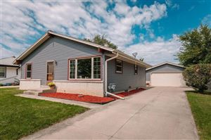 Photo of 5700 W Bottsford Ave, Greenfield, WI 53220 (MLS # 1657902)