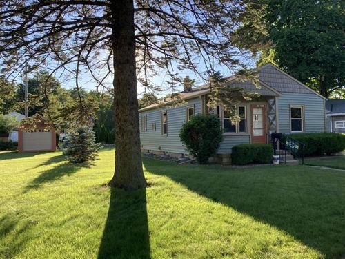 Photo of W59N751 Highwood Dr, Cedarburg, WI 53012 (MLS # 1751903)